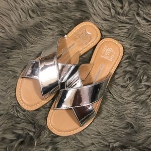 new directions Shoes - •nwot• silver sandals